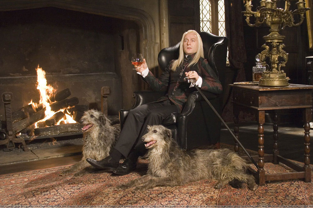 Lucius-in-Malfoy-Manor-harry-potter-1356175-1000-666